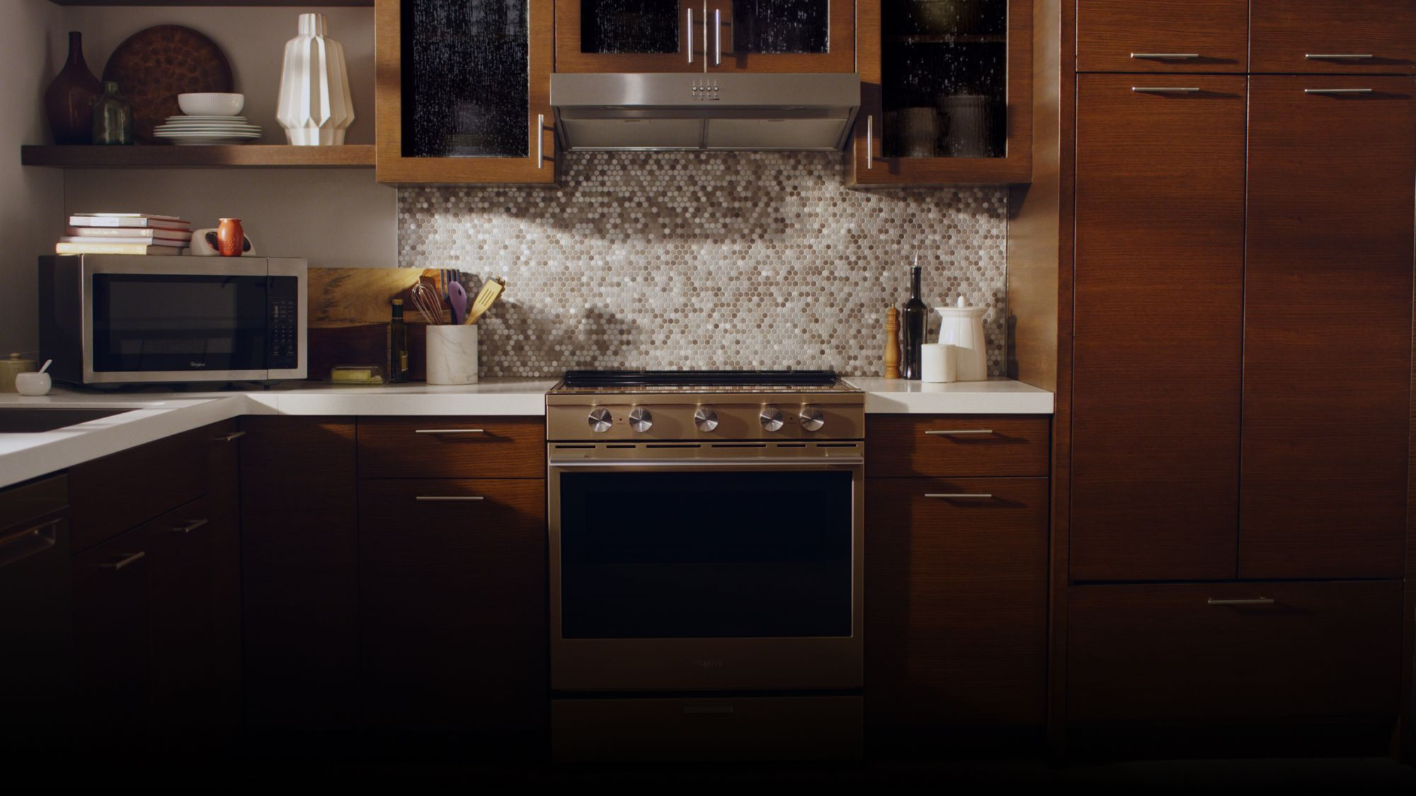 Hoods | Whirlpool on rustic european kitchen, ultra traditional kitchen, retro european kitchen, ultra contemporary kitchen, ultra modern country kitchen, ultra modern white kitchen, country european kitchen, ultra modern office kitchen,