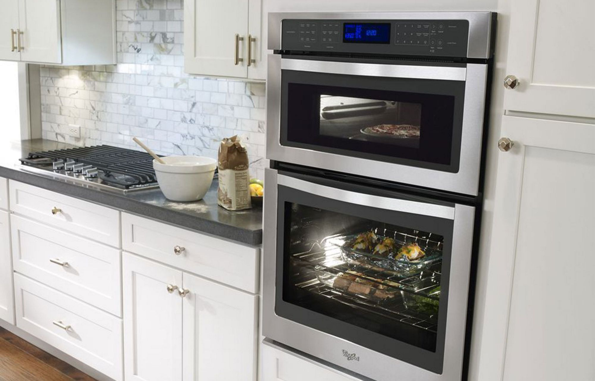 Wall oven under cooktop - Use The Fit System To Seamlessly Integrate Our Wall Ovens With Your Space