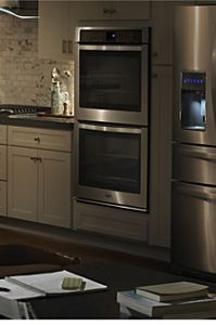 Attractive Choose Wall Ovens From Whirlpool To Get Dinner On The Table Fast.